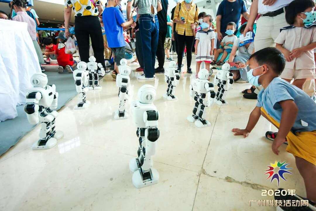 机器人.jpg